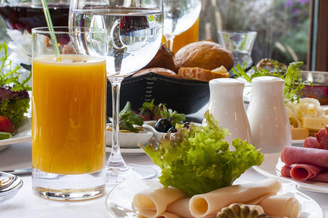 Reichhaltiges Frühstück